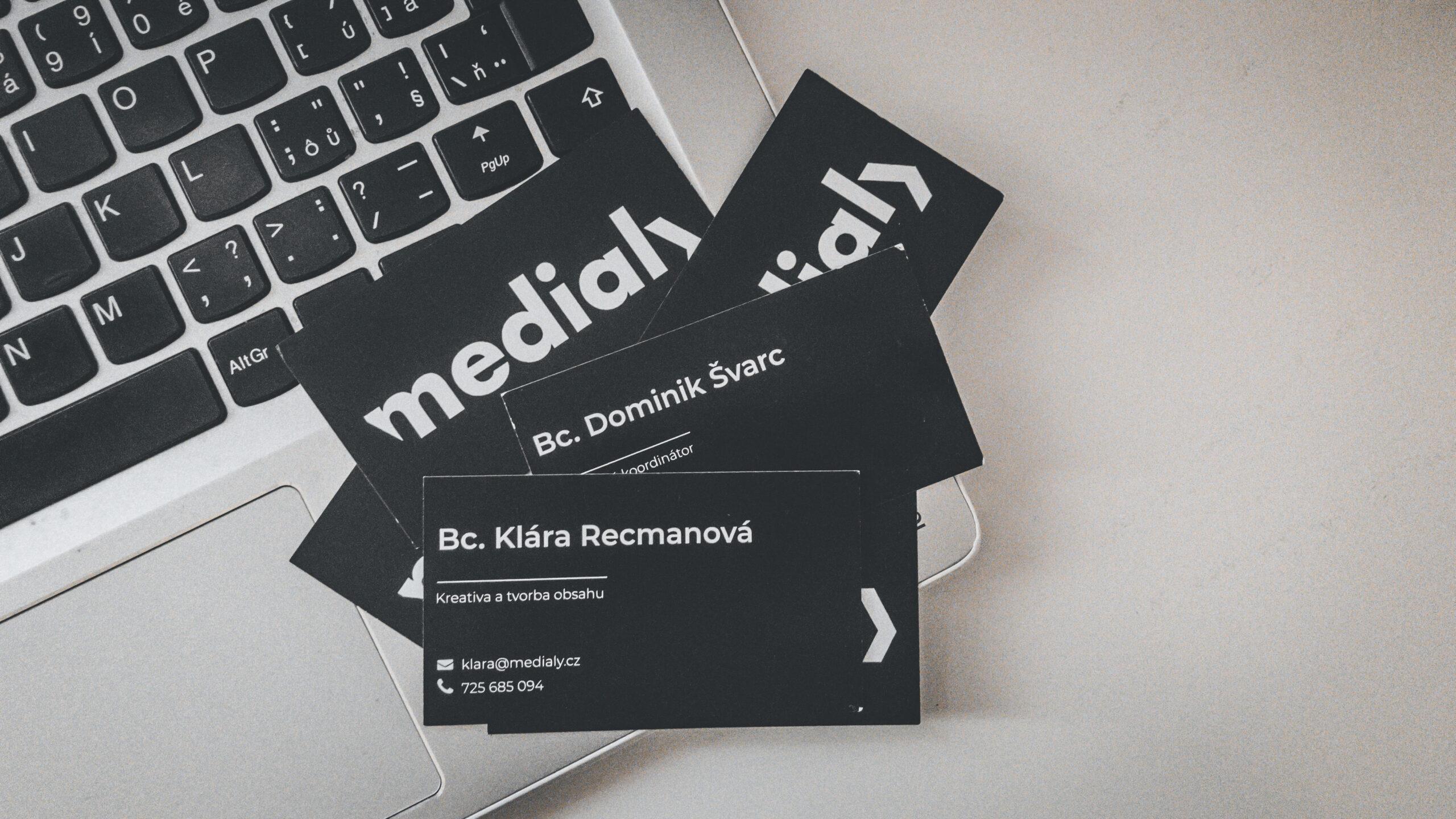 Logo-Medialy-cerne